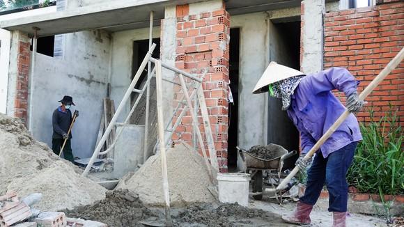 Một công trình nhà ở trên địa bàn quận Sơn Trà đang dang dở