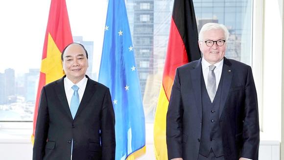 Chủ tịch nước Nguyễn Xuân Phúc gặp Tổng thống Đức Frank-Walter Steinmeier. Ảnh: TTXVN