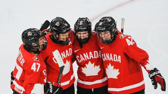 Tất cả các thành viên của Đoàn thể thao Canada phải thực hiện tiêm chủng để tranh tài ở Olympic, Paralympic mùa đông 2022. Ảnh: GETTY IMAGES