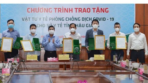 Trungnam Group hỗ trợ  hơn 46 tỷ đồng  phòng, chống dịch Covid-19. Ảnh: QUỐC HÙNG