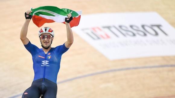 Niềm vui chiến thắng của Elia Viviani