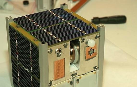 立方衛星尺寸跟麵包差不多,HBTSS 與 CNCE 要運用大量立方衛星,打造反極音速武器偵測網。