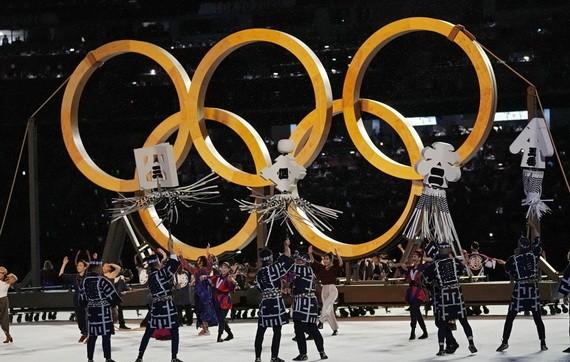 東京奧運會開幕式一景。(圖源:AP)