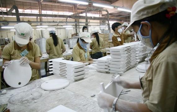 """各商會提到""""越南錯過的投資商機可能一去不復返""""觀點。(示意圖源:T.V.N)"""