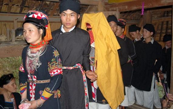 對高蘭族人來說,婚俗是重要的習俗。