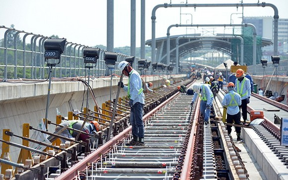 地鐵 1 號線 CP2 包高架車站施工現場。(圖源:孟玲)
