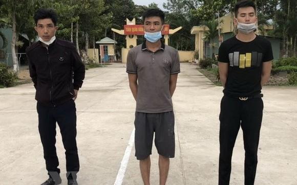 隆安省逮捕3名非法出境者