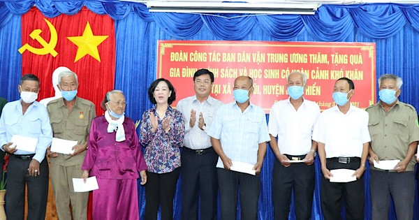 Đồng chí Trương Thị Mai: Xây dựng và thực hiện quy chế dân chủ bảo đảm thực chất và hiệu quả