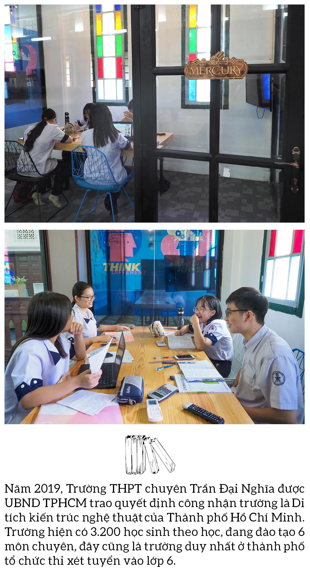 """Đến thăm thư viện """"5 sao"""" Trường THPT chuyên Trần Đại Nghĩa ảnh 16"""