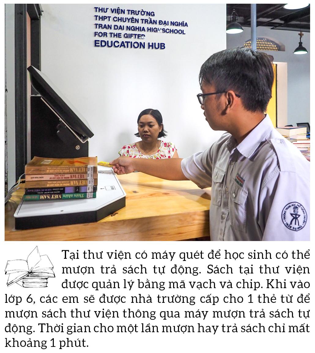 """Đến thăm thư viện """"5 sao"""" Trường THPT chuyên Trần Đại Nghĩa ảnh 7"""