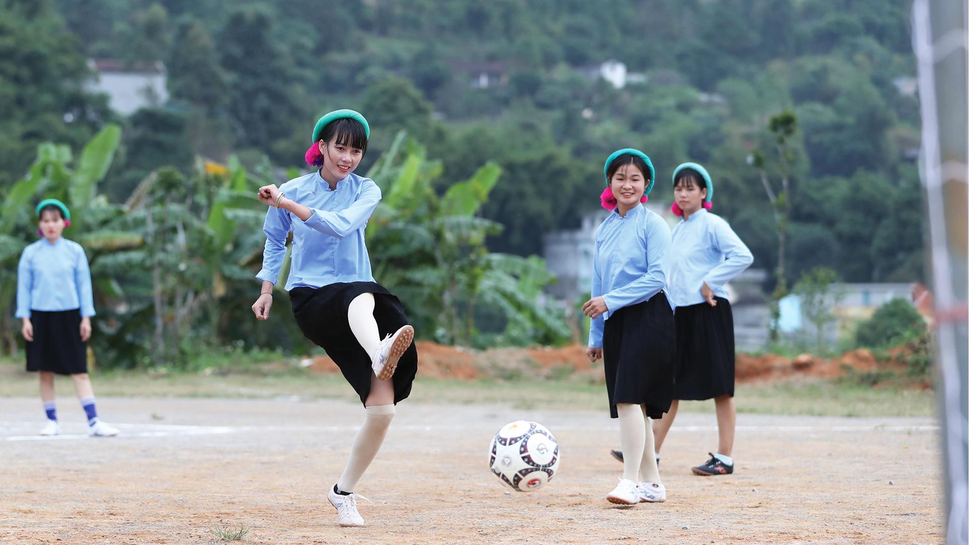 Những nữ cầu thủ ở Húc Động ảnh 4