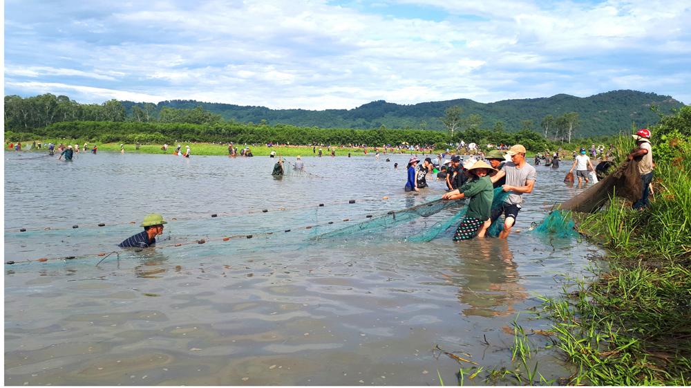 Độc đáo lễ hội đánh cá Đồng Hoa ảnh 15