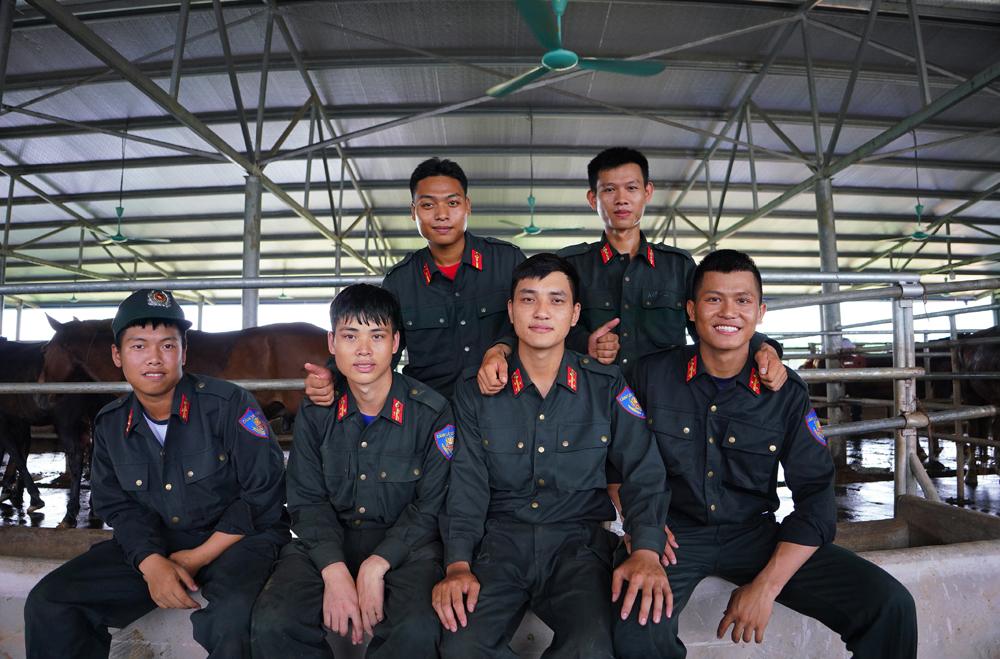 Cảnh sát cơ động Kỵ binh huấn luyện ngựa nghiệp vụ ảnh 29