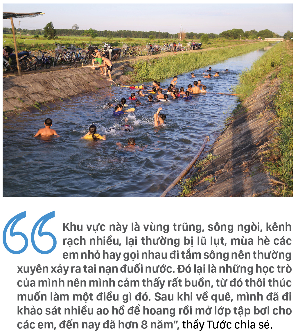 Thầy giáo 'nắn' dòng kênh thủy lợi mở lớp dạy bơi miễn phí ảnh 4
