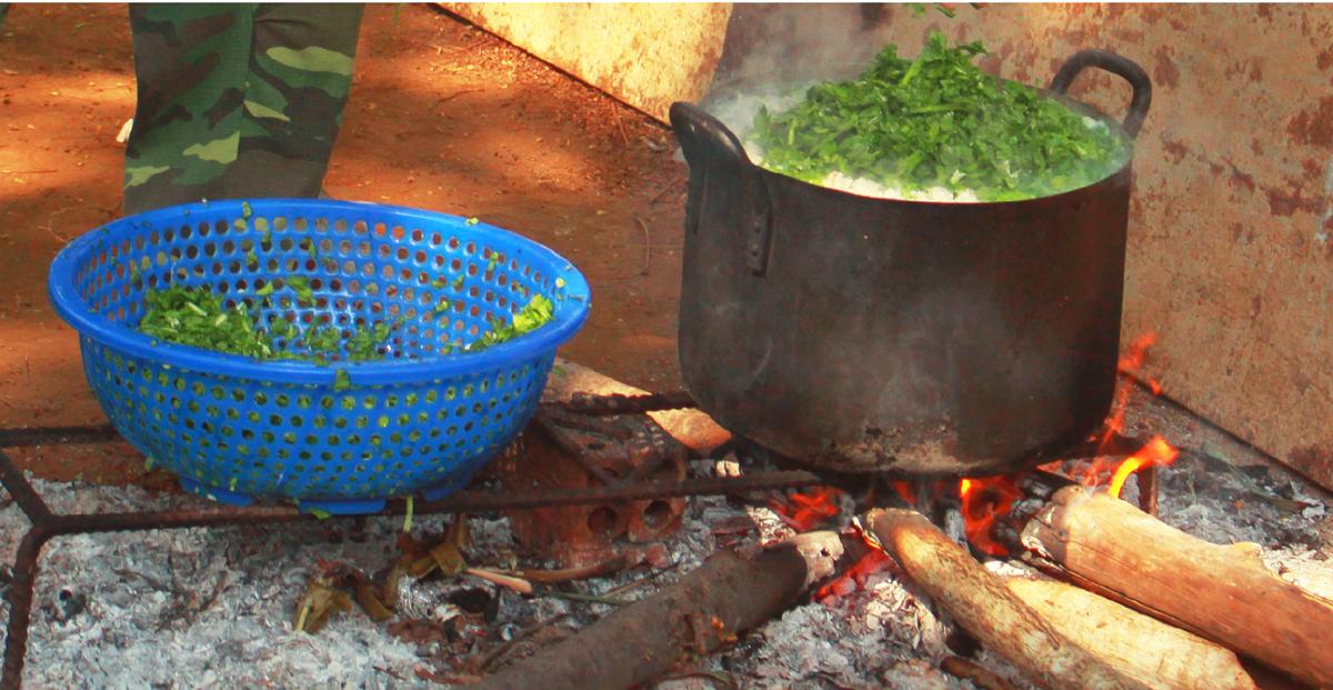 Cảm động Bộ đội nấu cơm cho bệnh viện dã chiến ảnh 14