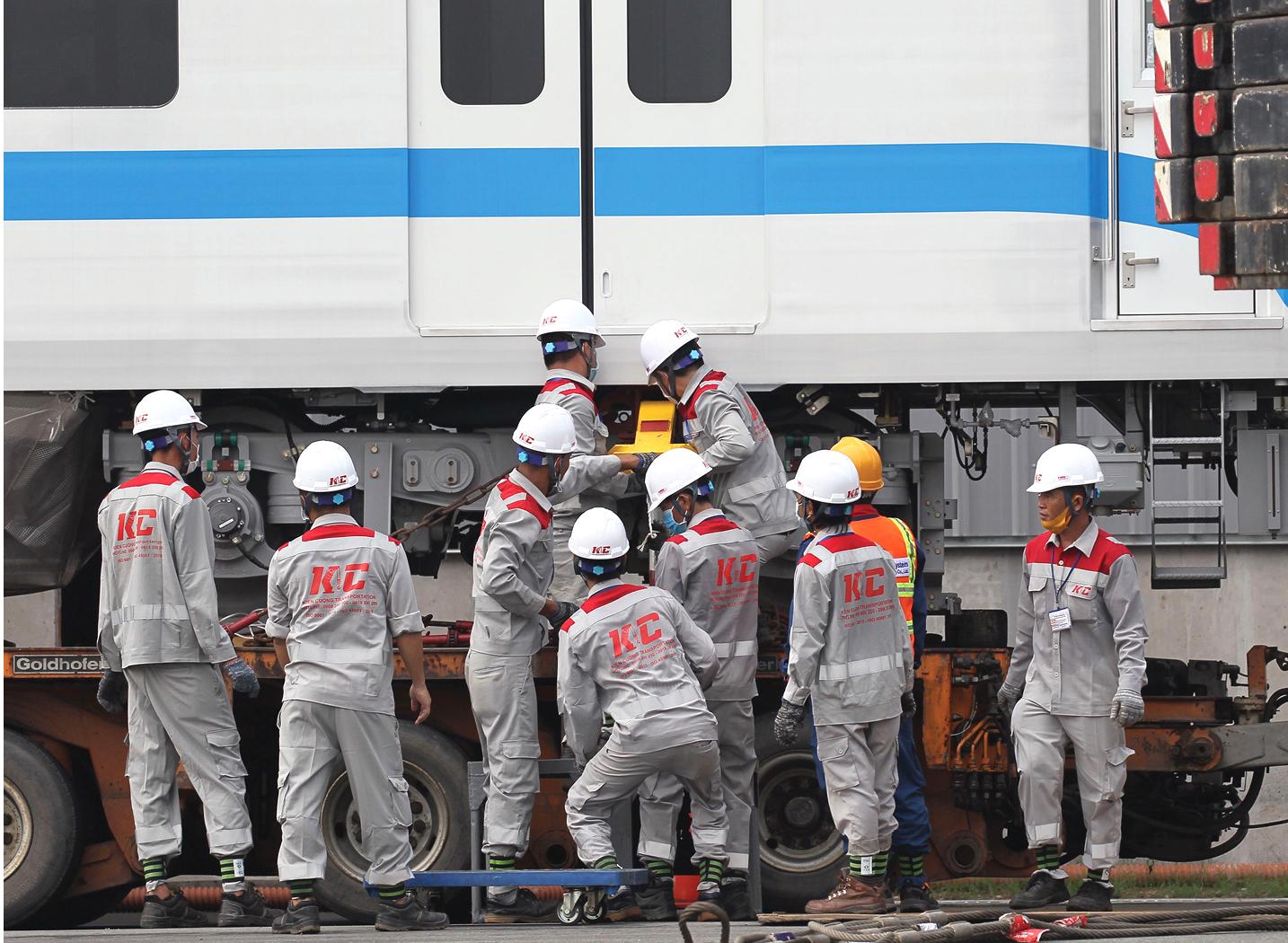 Toàn cảnh hành trình 3 toa tàu metro số 1 về TPHCM ảnh 13