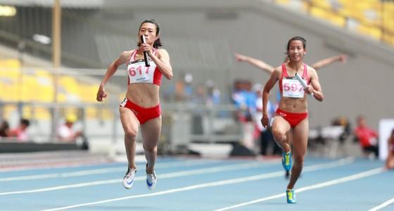 Lê Tú Chinh (trái) sẽ được đưa sang Mỹ tập huấn. Ảnh: DŨNG PHƯƠNG
