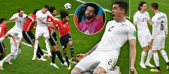 Những khoảnh khắc ấn tượng trong trận Ai Cập-Uruguay.