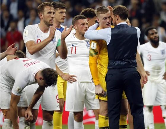 Người Anh đã không quay lưng ảnh 2