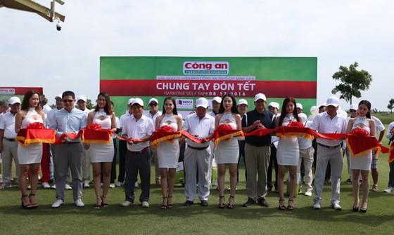 Giải golf từ thiện Báo Công an TPHCM 2018: Cùng chung tay giúp người nghèo đón Tết ảnh 1