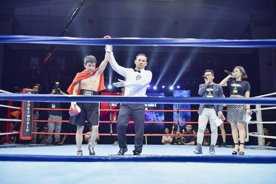 Võ sĩ Sẩm Minh Phát của Việt Nam thi đấu rất xuất sắc và giành chiến thắng ở hạng cân 49kg.