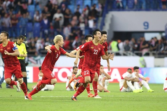 Đội tuyển Việt Nam lên hạng 99 thế giới. Ảnh: ANH KHOA