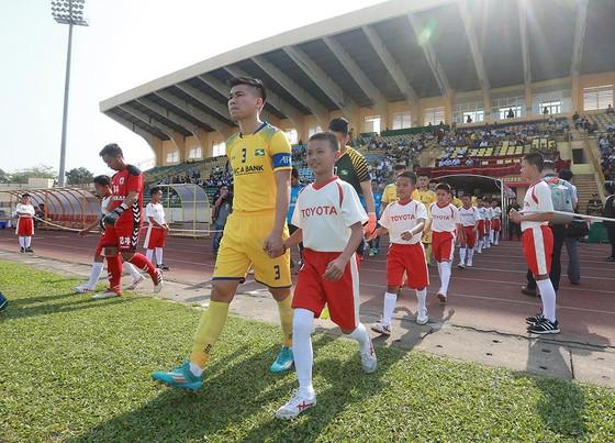 """Các cầu thủ nhí tham gia Trại hè Toyota luôn có cơ hội """"ra sân"""" ở AFC Cup."""