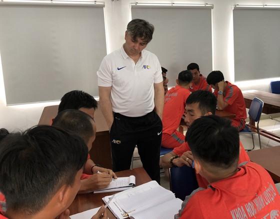 Khai giảng khóa học HLV Futsal cấp 1 AFC năm 2019 ảnh 1