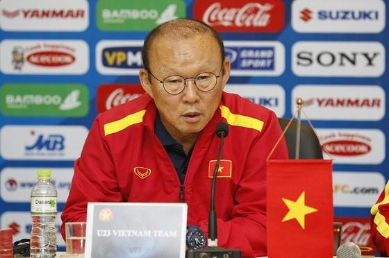 Ông Park Hang-seo lên tiếng bảo vệ Quang Hải ảnh 1