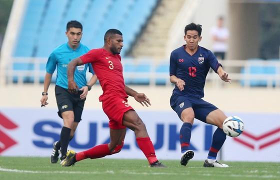 U.23 Indonesia (trái) đối diện với nhiều áp lực ở vòng loại châu Á.