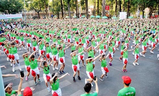 """TPHCM tổ chức Ngày chạy Olympic """"Vì sức khoẻ toàn dân"""": Hơn 20.000 người tham dự ảnh 2"""