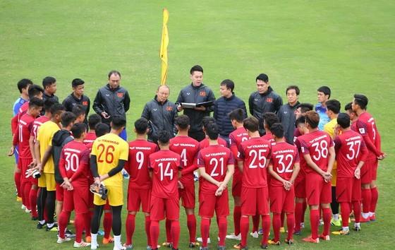 Thầy trò ông Park Hang-seo sẽ gặp nhiều khó khăn nếu không đánh bại được U.23 Thái Lan trong trận đấu chiều nay.