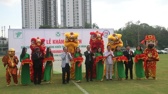 LĐBĐ TPHCM khánh thành 2 sân tập cho bóng đá Năng khiếu  ảnh 1