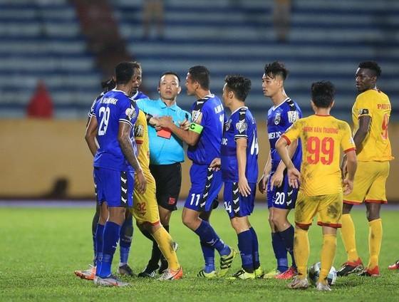 Thắng Bình Dương 1-0, Nam Định thoát khỏi nhóm cuối bảng ảnh 2