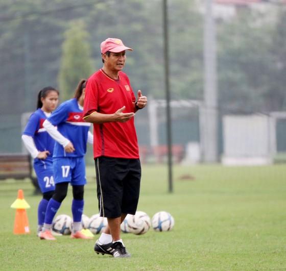 HLV Mai Đức Chung không sang Trung Quốc cùng đội U19 nữ Việt Nam ảnh 1