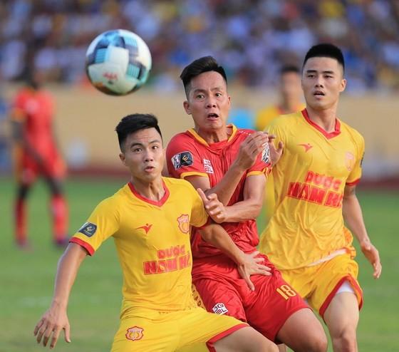 Nam Định kết thúc chuỗi 10 trận bất bại của Thanh Hóa. Ảnh: MINH HOÀNG