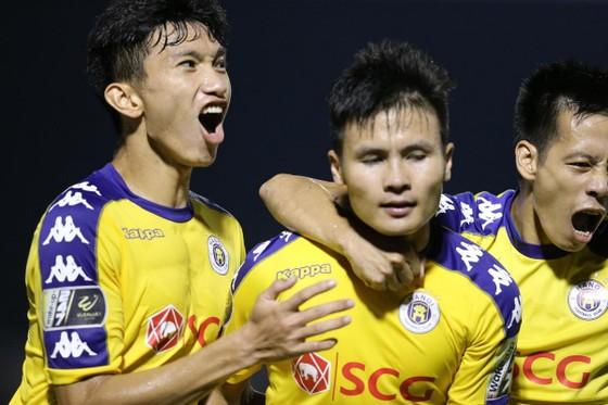 """Những hình ảnh từ trận """"đại chiến"""" vòng 18 V-League 2019 ảnh 3"""