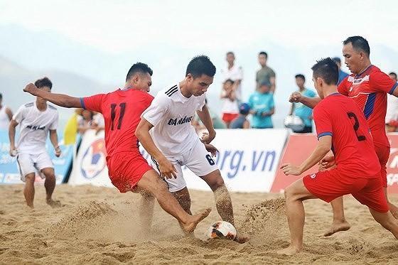 HLV đội bóng đá bãi biển Khánh Hòa bị cấm hành nghề 2 năm ảnh 1