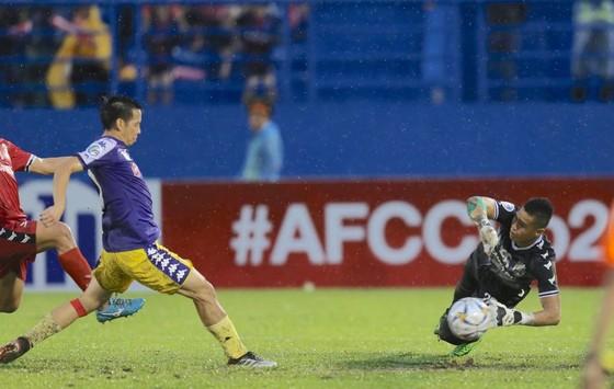 Chung kết AFC Cup 2019: Văn Quyết tiếp tục tỏa sáng trên hàng công Hà Nội ảnh 2