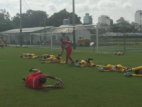 'Lò' đào tạo thủ môn tại TPHCM ảnh 4