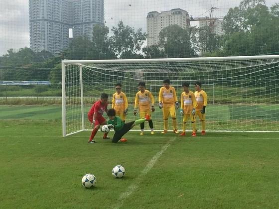 'Lò' đào tạo thủ môn tại TPHCM ảnh 6