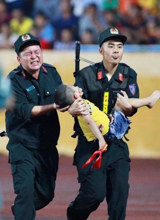 HA.GL - Nam Định 2-2: Cầm vàng lại để vàng rơi  ảnh 3