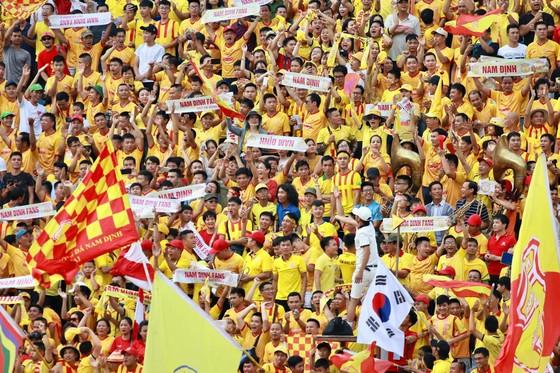 HA.GL - Nam Định 2-2: Cầm vàng lại để vàng rơi  ảnh 1