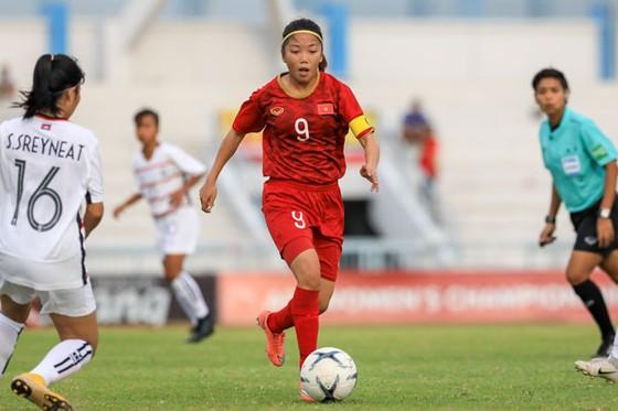 Huỳnh Như khởi đầu bằng 3 bàn thắng trong 7 phút. Ảnh: Đoàn Nhật