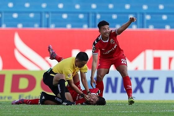 """Trưởng ban trọng tài Dương Văn Hiền: """"Đang xúc tiến trao đổi trọng tài với Thai-League"""" ảnh 1"""