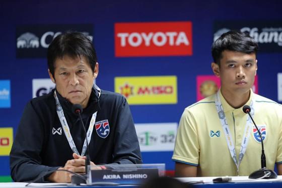 Tân HLV Akira của Thái Lan tại buổi họp báo. Ảnh: Dũng Phương