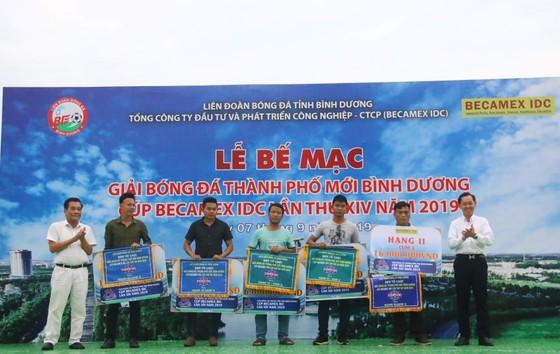 CLB Hoàng Gia đăng quang giải bóng đá TP Mới Bình Dương - Cúp Becamex IDC 2019 ảnh 5