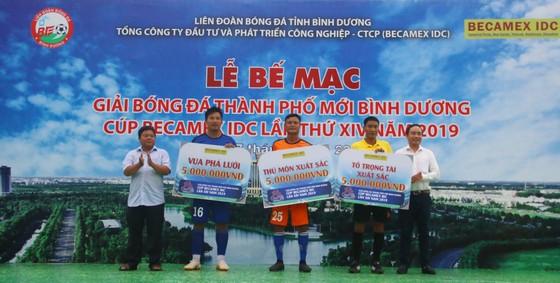 CLB Hoàng Gia đăng quang giải bóng đá TP Mới Bình Dương - Cúp Becamex IDC 2019 ảnh 7