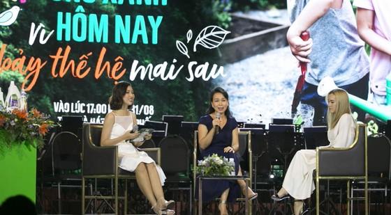 HLV Trần Lan Hương chia sẻ tại buổi giao lưu