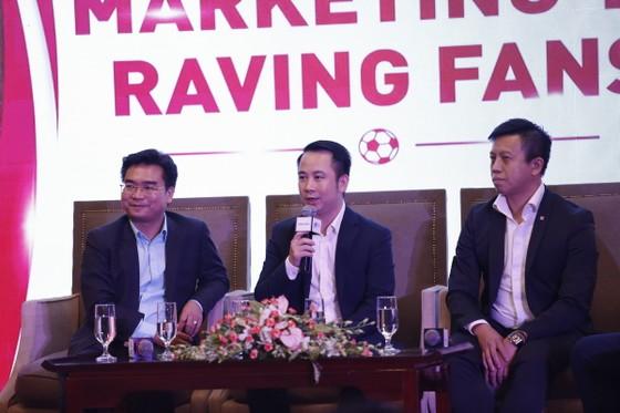 Giám đốc Next Media Nguyễn Trung Kiên chia sẻ những kinh nghiệm tại buổi tọa đàm. Ảnh: Anh Trần